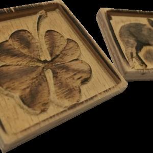 Schlüsselanhänger Glücksbringer Motive sortiert aus Holz Buche