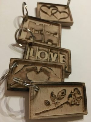Schlüsselanhänger Romantik aus Buche