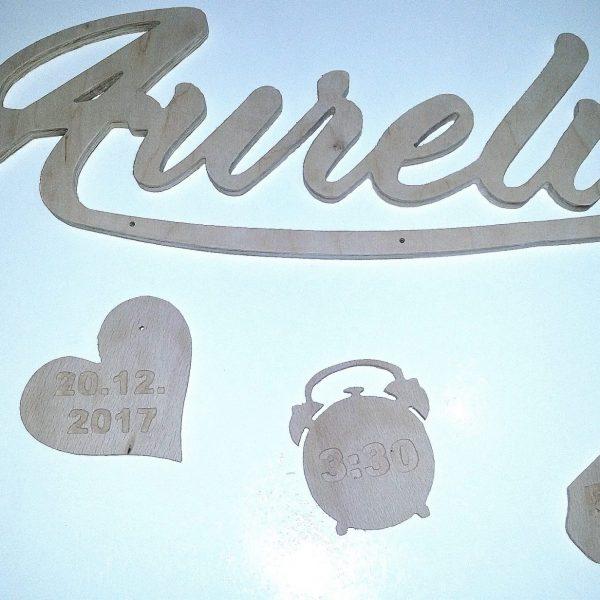 Babygeschenk zur Geburt Namensschild mit Geburtsdaten personalisiert aus Holz Birke