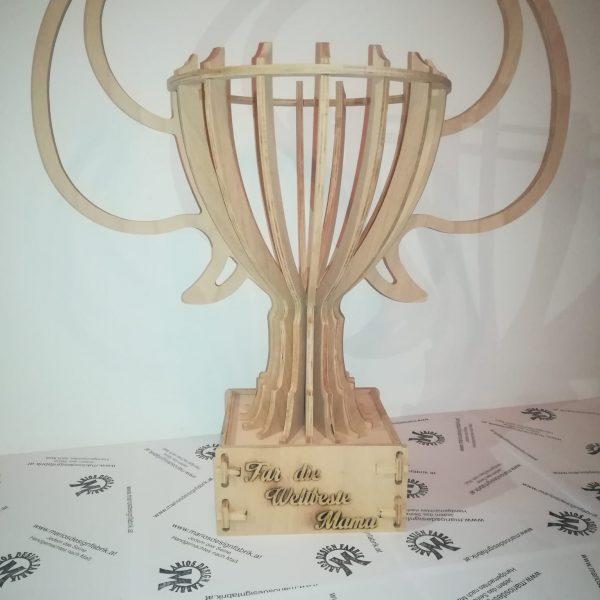 Pokal Kelch Griffe großer Sockel personalisierbar aus Holz Buche