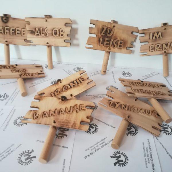 Spaßschild Demoschild Sprüche sortiert aus Holz Buche mit Stiel