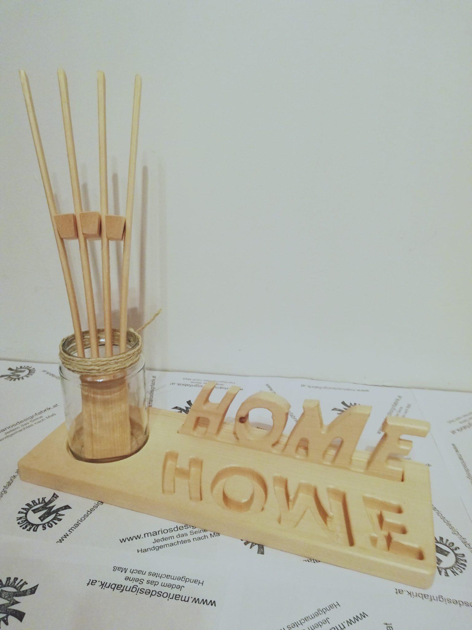 dekoteller mit schriftzug home mit 1 glas 1 f cher und zierkiesel aus holz buche oder zirbe. Black Bedroom Furniture Sets. Home Design Ideas
