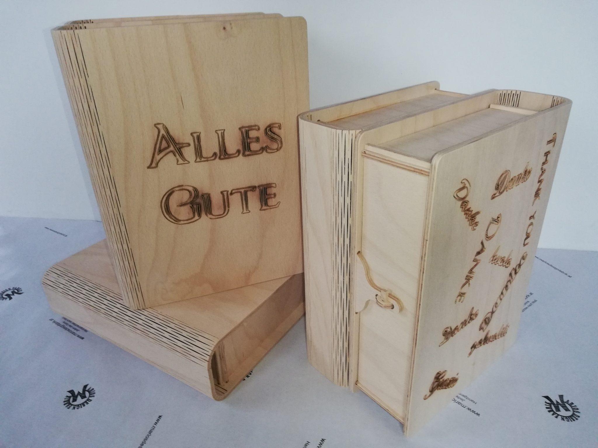 Buchcover Schatulle Geschenkbox mit Verschluss aus Holz Buche