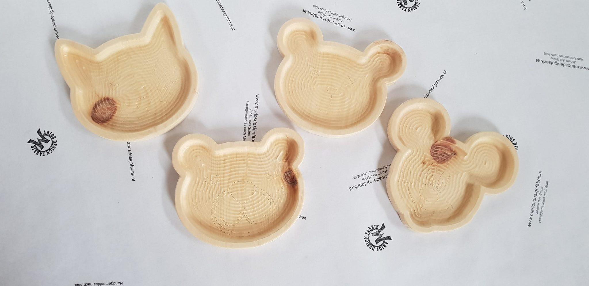 Kinderteller Holzteller Motiv Gesicht aus Zirbenholz