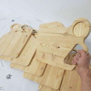 Jausenbrett Jausenplatte personalisierbar aus Holz Lärche mit Griff